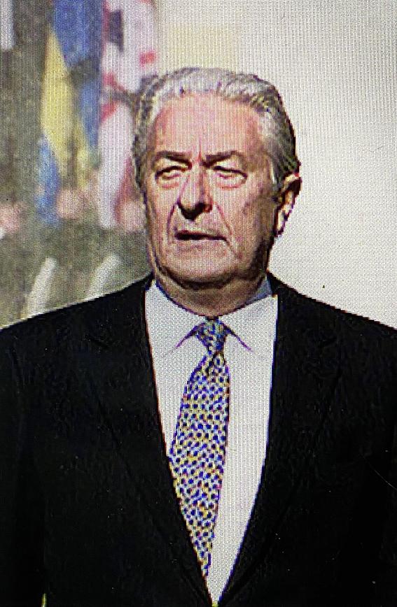 https://upload.wikimedia.org/wikipedia/commons/thumb/3/32/Sergio_Balanzino.jpg/220px-Sergio_Balanzino.jpg